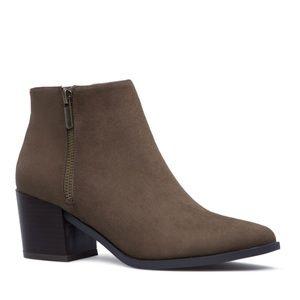 NIB Shoe Dazzle Olive Faux Suede Low Heel Booties